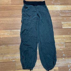 Lululemon sweatpants joggers pants size 6 medium